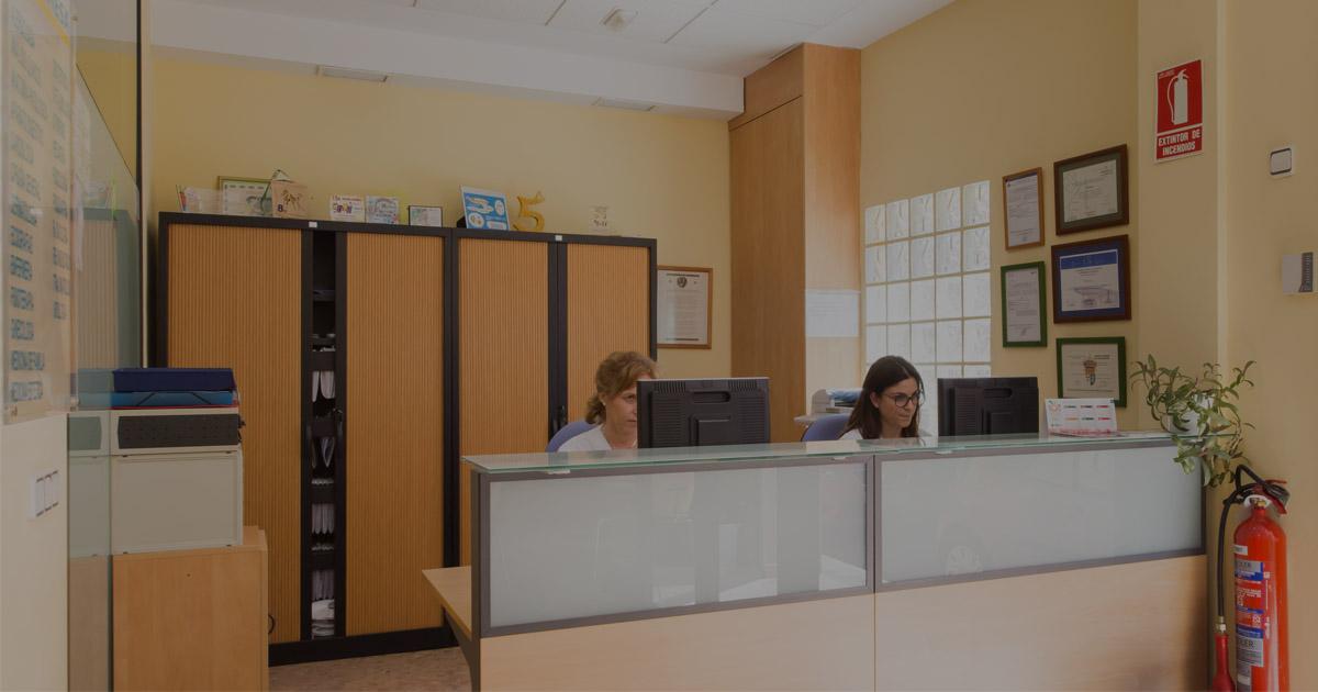 recepcion-policlinica-pobla-vallbona